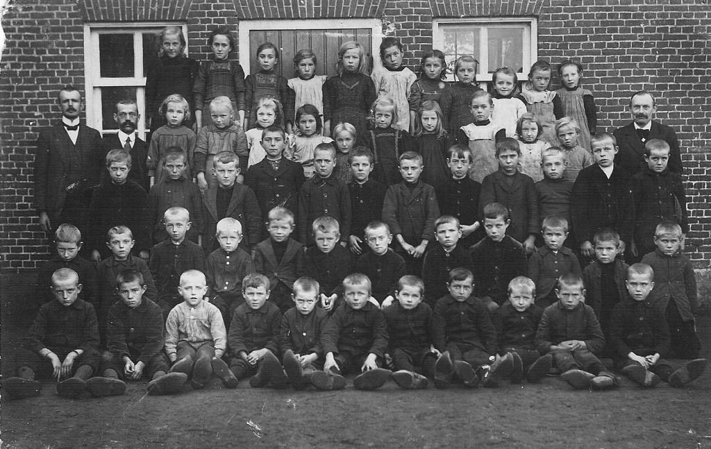D07-151 Openbare school c.a. 1918